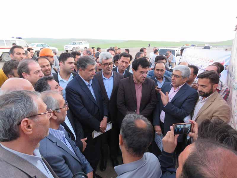 تسریع در اجرای کریدورهای حمل و نقل از اولویت های وزارت راه است