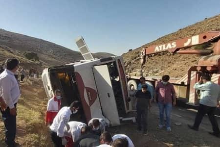 نیمی از کاروان خبرنگاران حادثه دیده به تهران بازگشت