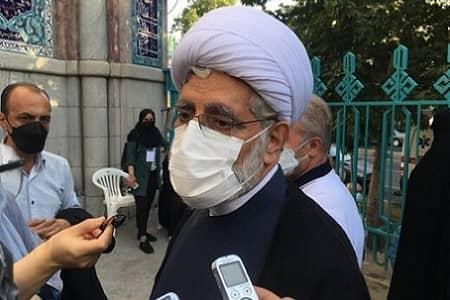 اظهارات روحانی اصلاح طلب درباره اعتراض برخی بانوان به پوشش