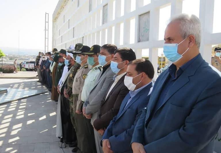 غبارروبی مزار شهدای گمنام مراغه به مناسبت هفته دولت